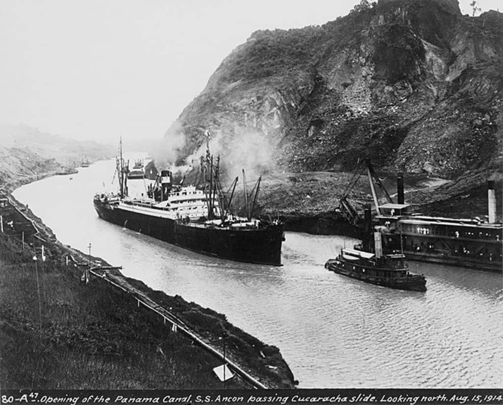 """El 15 de agosto de 1914, el barco de vapor """"SS Ancón"""", inauguró el Canal de Panamá."""